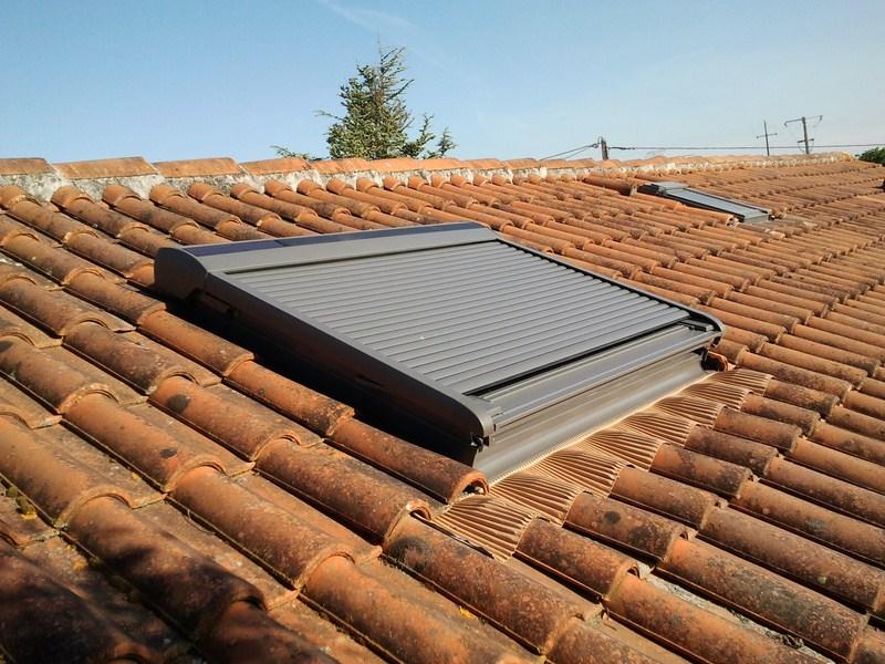 fen tre v lux 114 118 motoris et volet roulant solaire s a r l toit avenir couvreur. Black Bedroom Furniture Sets. Home Design Ideas